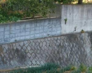 石垣の目地の補修、、